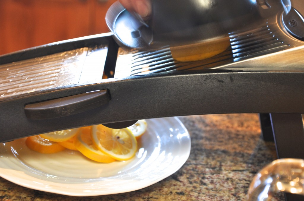 Slicing lemons